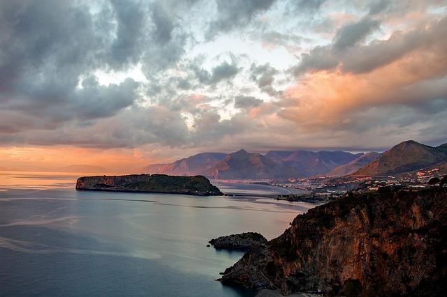 Zon, zee, zand en rust aan de Ionische zee in Calabrië.