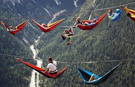 Vakantie voor waaghalzen? Highlinen is hangmat liggen in Zuid Tirol