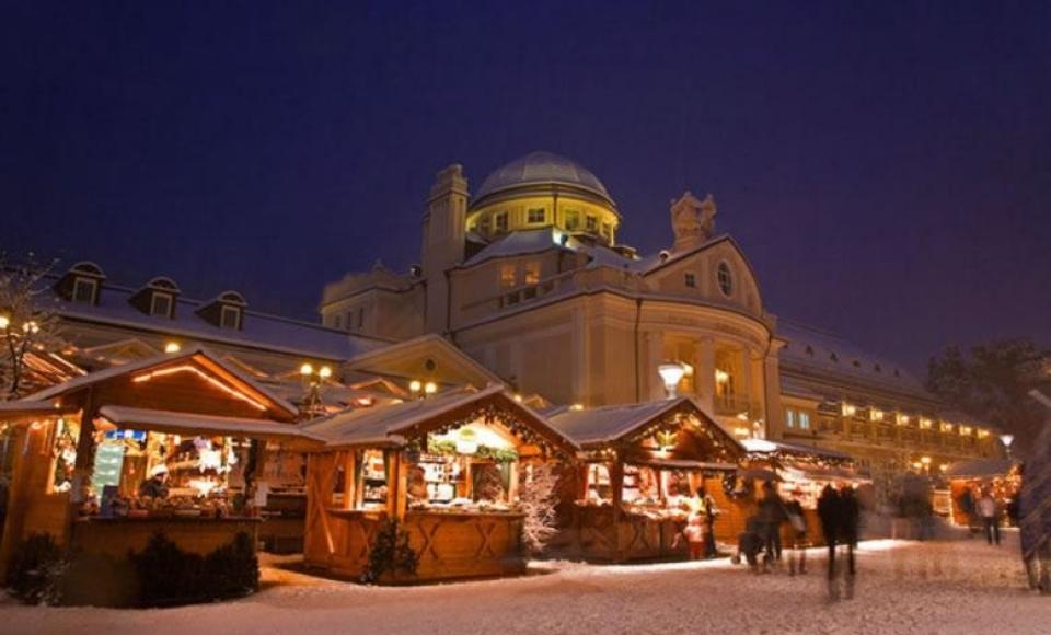 December - Beroemde kerstmarkt van Merano in Zuid Tirol