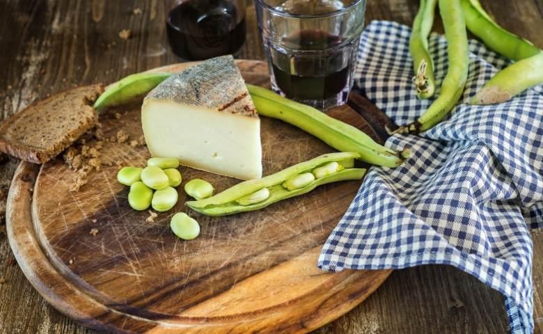 Tuinbonen met Pecorino Romano een traditie uit Lazio